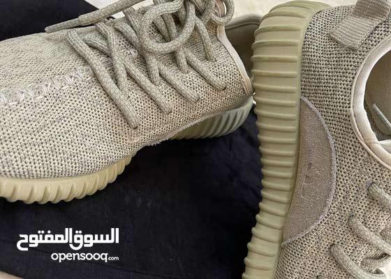 حذاء اديداس ييزي مقاس 36