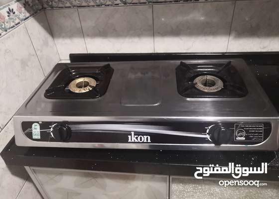 طباخ عينين مع اسطوانة غاز استخدام شهرين