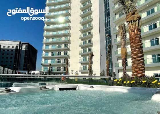 20062/ بقلب دبي غرفة وصاله للايجار باطلالة علي برج العرب