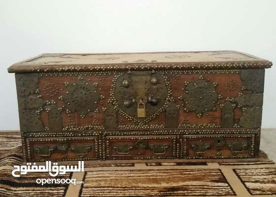 صندوق تراثي قديم جدا