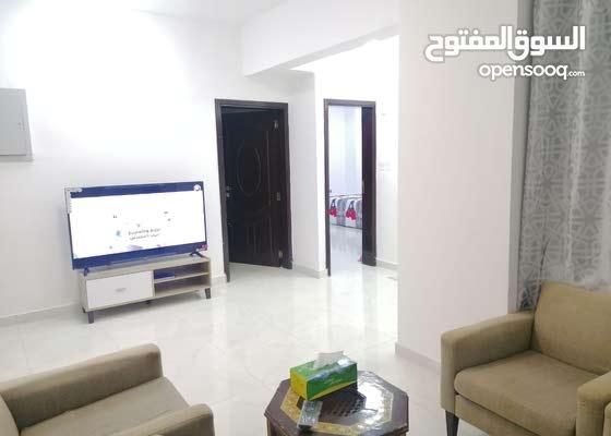 شقة واسعة غرفتين وصاله ومطبخ