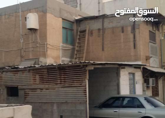 للبيع بيت في مدينة عيسى جنب وزارة الاعلان