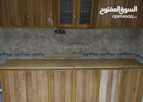 Used 7-pieces kitchen in a good condition - مطبخ بحالة حيدة للبيع