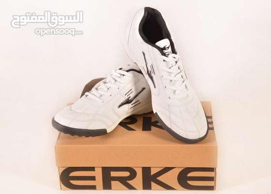 حذاء ERKE