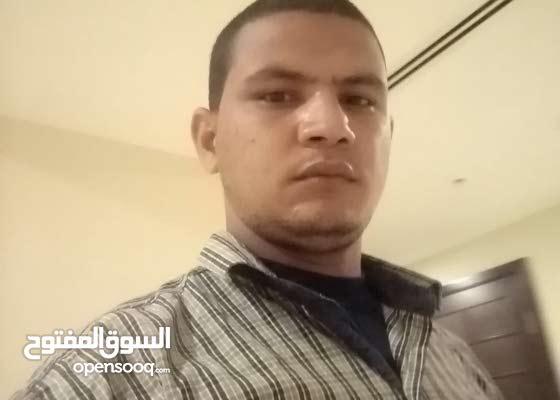 مدرس مصري حاصل على بكالوريوس علوم وتربية جامعه الأزهر الشريف متواجد بدوله الامار