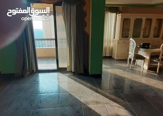 شقة للبيع وتسليم فوري من المالك مباشرة في المنطقة الأولى قرب عباس العقاد