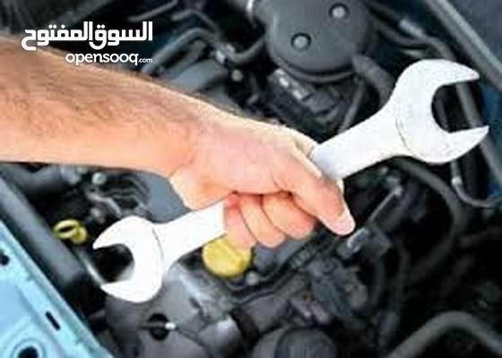 مطلوب ميكانيكي  متواجد في دوله الامارات معاه رخصه سياقه جير عادي UAE 2000درهم