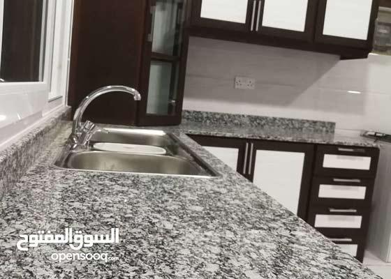 تنظيف المباني بجميع أنواعها تحت إشراف مباشر لإدارة عُمانية