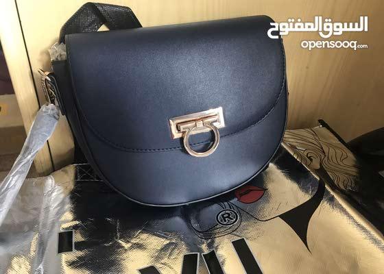 شنطة حريمي من ماركة Deja Vu، تصنيع مصري لم تستخدم نهائياً