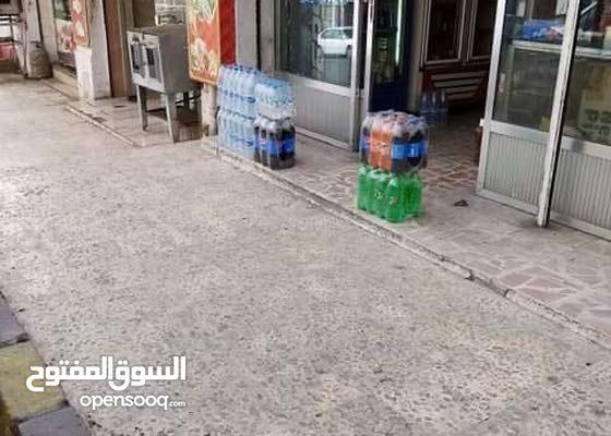 ميني ماركت للبيع - جبل الحسين - يقع على شارع رئيسي بالقرب من اشارات القلعة