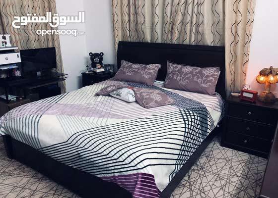 غرفة نوم ممتازة شبه جديده مشتراه من اقل من سنة للبيع
