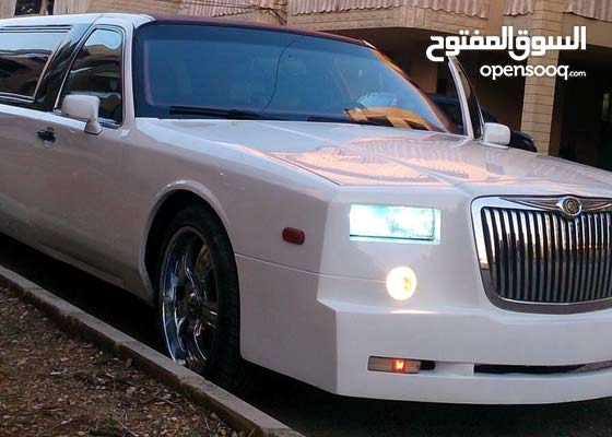 Lincoln town car limousine phantom rolls royce look