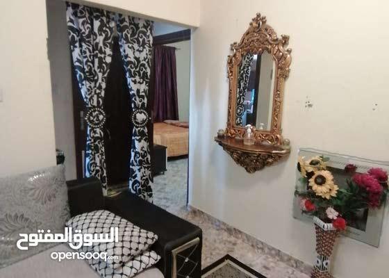 شقه غرفه وصاله قريبه من سفير مول النعيميه