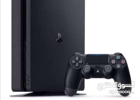 PS4 1tb مع يد و شاحن وغلاف لليد