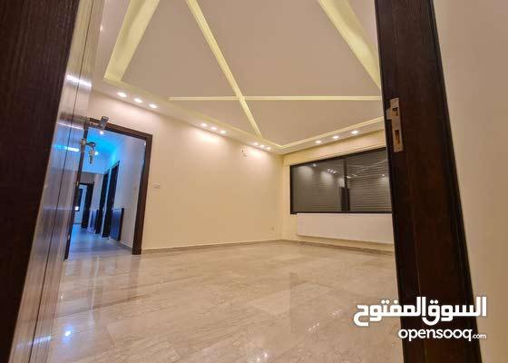 شقة فاخرة جدا مساحة 215م للبيع في حي الصحابة طريق المطار
