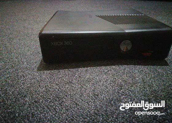 Xbox 360 مستعمل ونظيف مافي اي مشاكل