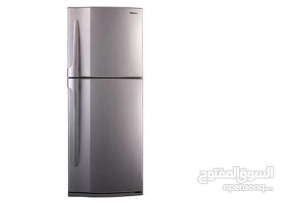 NEW TOSHIBA refrigerator  PRICE negotiable ثلاجة توشيبا جديد داخل الصندوق  والسعر قابل للتفاوض