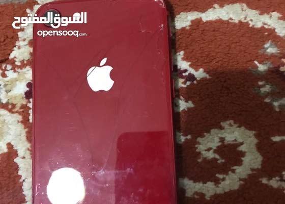 ايفون 8 مبدل شاشة ومكسور من الخلف