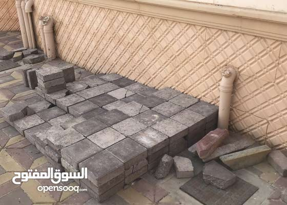 طوب وحجارة للبيع