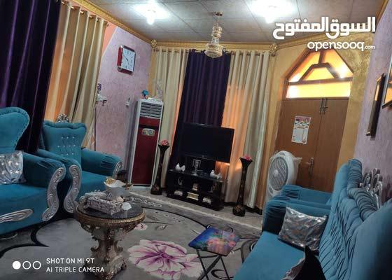 بيت مع بستان صغر لبيع يحتوي البيت غرفتين نوم مع مطبخ استقبال مع صاله كبيره حمات