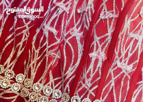 فستان ملبوس مره وحدة في بيان