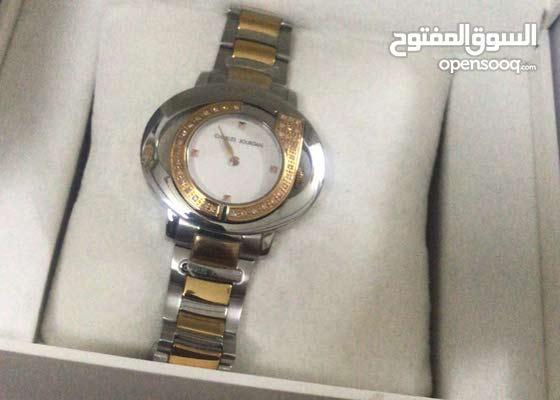 للبيع ساعة جديدة