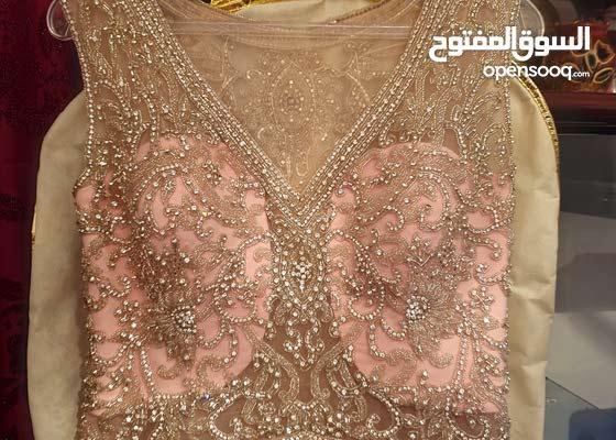 فستان سهرة للبيع ملبوس مرة وحدة فقط اقسم بالله كأنه مش ملبوس