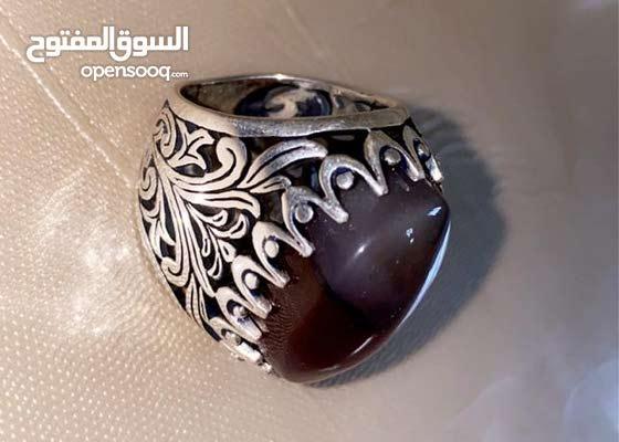 خاتم عقيق يمني طبيعي والفضة عيار 925