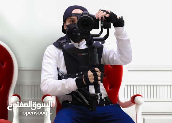 أنا أحمد /مصور باحث عن عمل