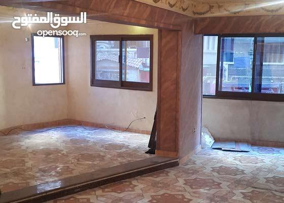 شقه للايجار ميزان  تجارى 150متر  بشارع خالد بن الوليد الرئيسي موقع مميز جدا