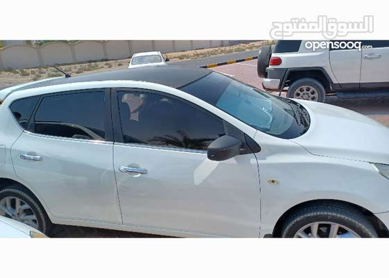 سيارة تيدا لسيدة للبيع المستعجل مع شاشة