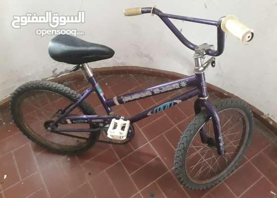 دراجه هوائية للاطفال بحالة جيدة - مقاس 20 - تحتاج تغيير طارة خلفية