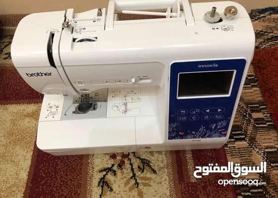 للبيع مكينة خياطة وتطريز ( الكترونيه)شبه جديدهFor sale a sewing and embroidery