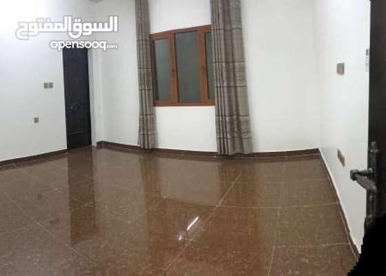 غرف راقيه ومكيفه في مبنى راقي للطلاب والموظفين شامل الماء والكهرباء والنت
