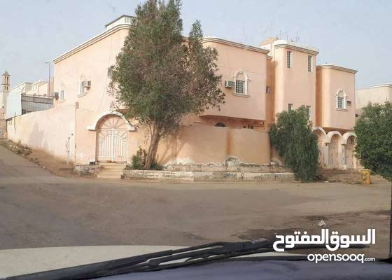 شقه للايجار بحي بدنه خلف جامع الفوزان