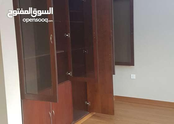 للايجار مكتب في السالمية شارع سالم المبارك مساحة 176 م