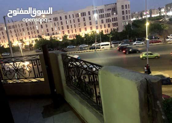 شقه للبيع في إكتوبر الحي السابع املم الجامعه والعبد ، موقع مميز جداً بسعر تجاري
