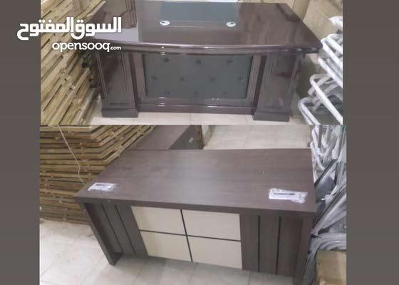 مكتب خشب وزجاج وكبت مكتب كراسي مكاتب خزائن حديد وتخزين