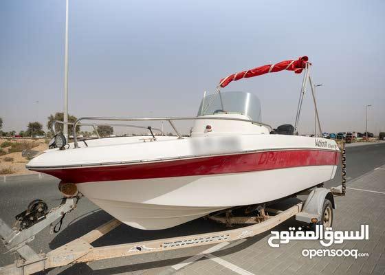 قارب نزهه فايبر جلاس طول 18 قدم موديل 2013 محرك امريكى ميركرى 2 ستروك قوة 90hp حصان