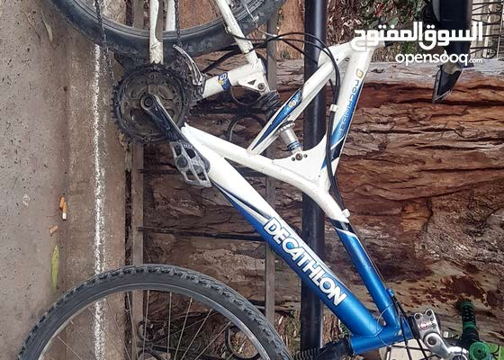 دراجة من نوع Decathlon للبيع