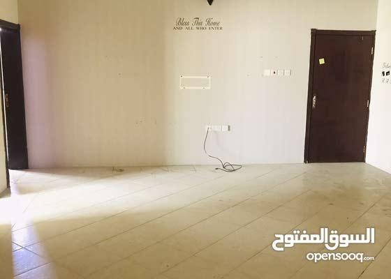 شقة واسعة ونظيفة للايجار في عراد غرفتين شامل 250 دينار