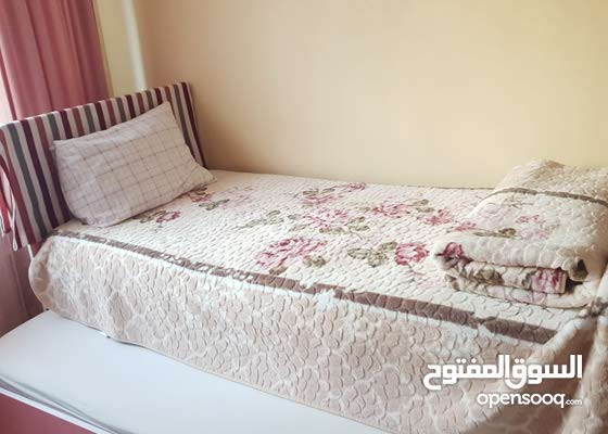 غرفة نوم للبنات للبيع