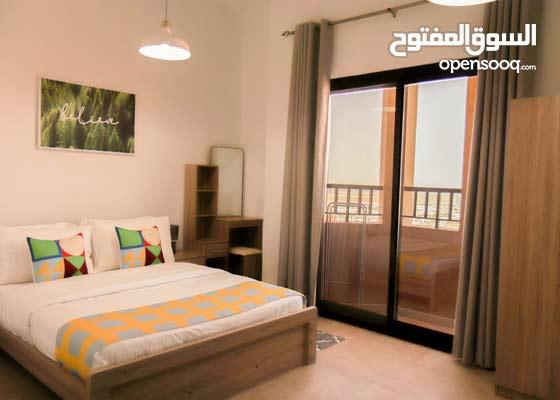 دبي واحة سيليكون ستوديو مفروش سوبر لوكس مع بلكونة- ايجار شهري شامل