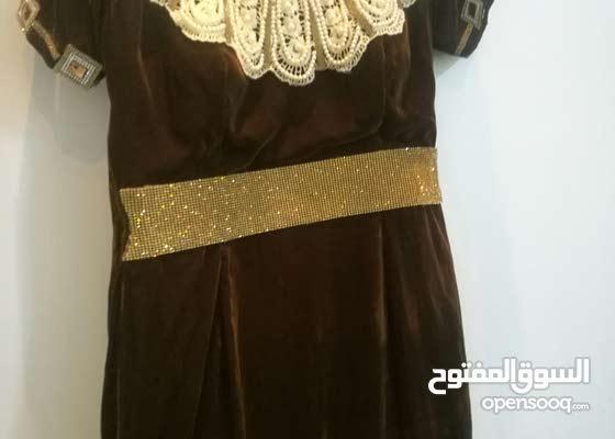 فستان من تصميمي  القماش مخملي الون بني ع عسلي  قصة سمكه من الخلف طويل