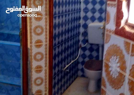 شقة بثلاث غرف ببلدية جامعة ولاية المغير للبيع