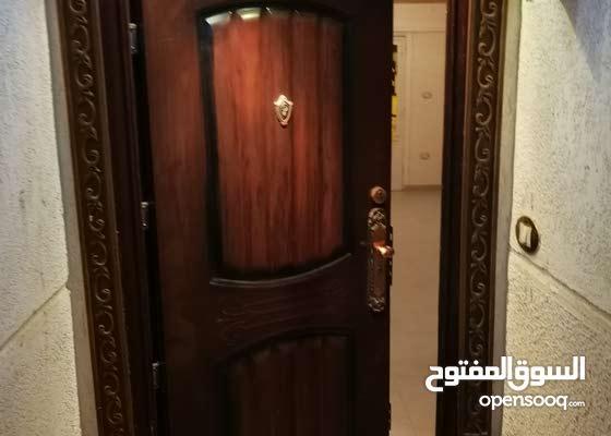 شقة بالهانوفيل ش الاصدقاء متفرع من القويرى حى الزهراء ترخيص وصلات تلفزيونية ونت