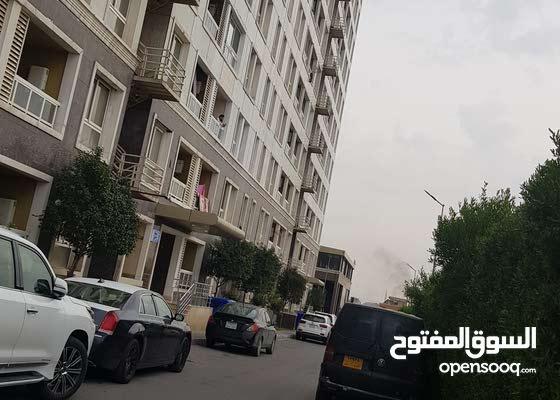 شقة في القرية اللبنانية للبيع