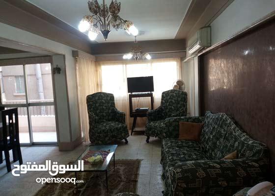 شقه مفروشه بمنطقة النزهة الجديده