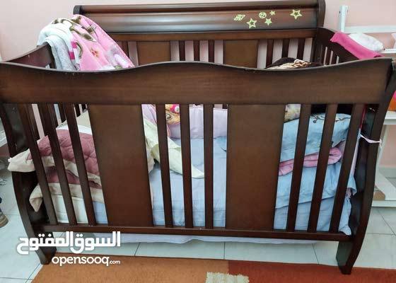 سرير أطفال - baby bed