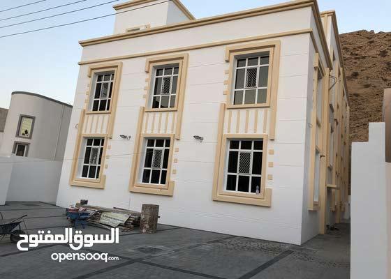 بناية جديدة للإيجار- الوطية قرب مستشفى مغربي